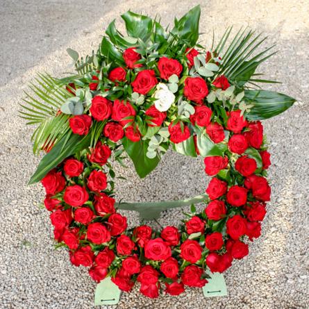 Virágposta - Görögkoszorú vörös rózsákkal, felső díszítéssel