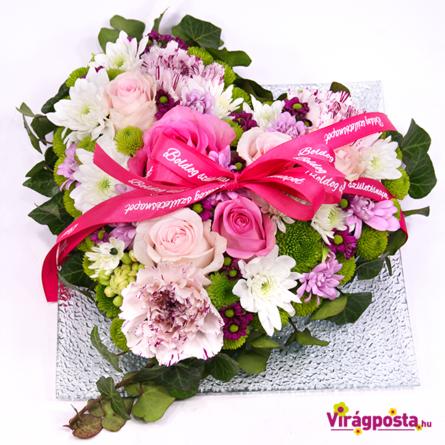 Virágposta - Szól a szív - Virágszív rózsaszín rózsákkal