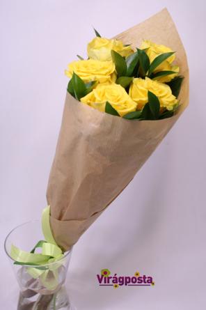 Virágposta - Sárga rózsák tölcsérben