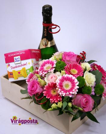 Virágposta - Köszönöm, hogy vagy nekem! - Virágdoboz pezsgővel és csokival