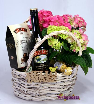 Virágposta - Ajándékkosár hortenziával és Bailey's-szel