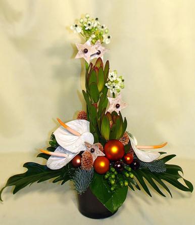 Virágposta - Karácsonyi virágtál fehér anthúriumokkal