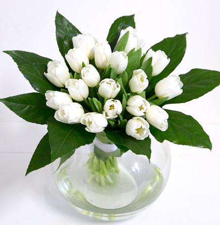 Virágposta - Fehér tulipánok kerek csokorban - Hófehér vallomás