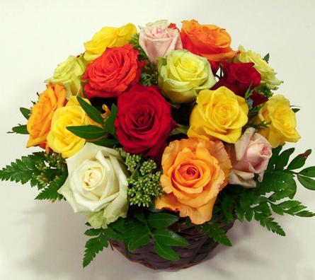 Virágposta - Színpompás rózsák - nyárias rózsakosár