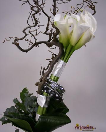 Virágposta - Born to be Wild - Modern csokor kálákkal