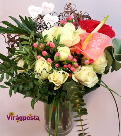 Virágposta - Különleges szerelem - káprázatos fehér rózsákkal