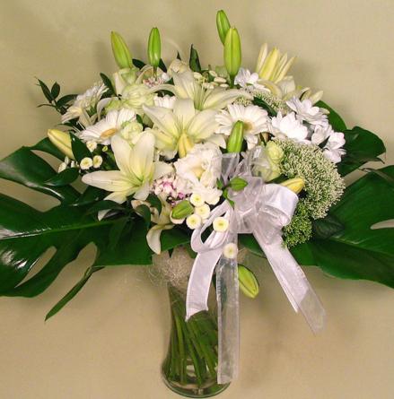 Virágposta - Fehér csokor liliomokkal