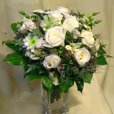 Virágposta - Fehér csokor rózsákkal
